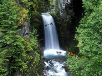 green-mountain-waterfall